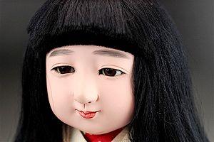 松乾斎東光作の市松人形・女の子