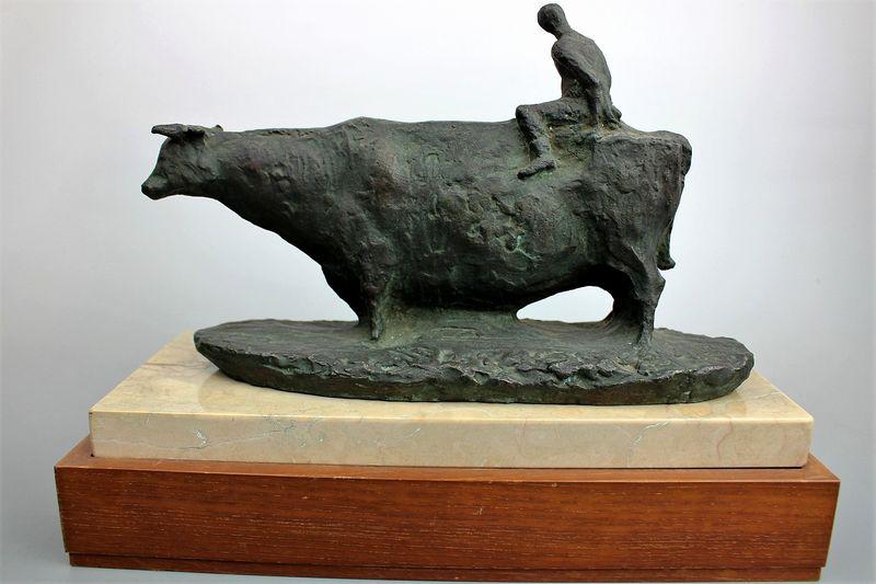 古賀忠雄作 ブロンズ彫刻『草原の朝』