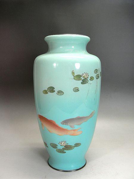 七宝焼 蓮池双鯉図花瓶(ヒビあり)