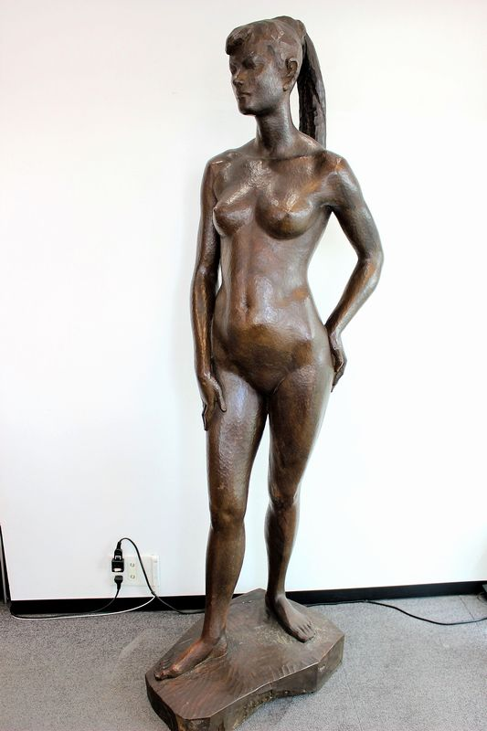 日展理事 中村博直作 木彫裸婦立像