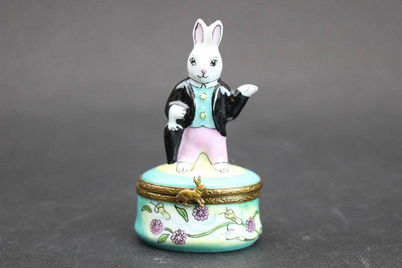 リモージュボックス タキシードを着たウサギ