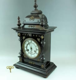 ユンハンス製 置き時計