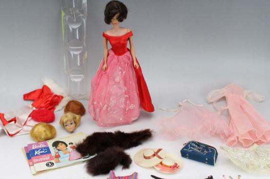 マテル社 ヴィンテージ・バービー人形とドレス