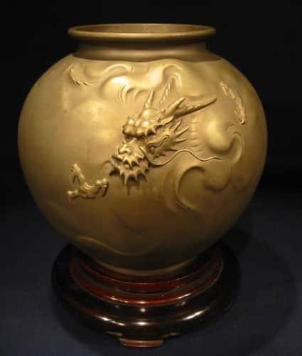 大島如雲作 蝋型雲龍図花瓶