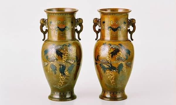 中杉与三七作 象嵌花瓶一対