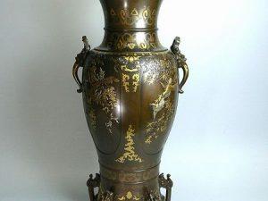 鋳銅金銀象嵌五つ足大花瓶
