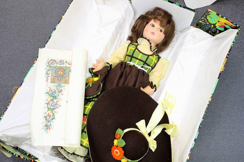 レンチドール 緑ドレスの女の子 65cm