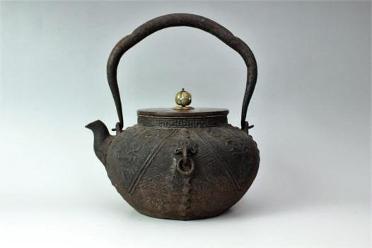 光玉堂造 芝了善寺 旧蔵品 斑朱銅蓋鉄瓶