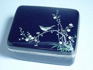 安藤七宝製 梅に鶯図小箱
