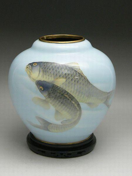 双鯉図七宝花瓶
