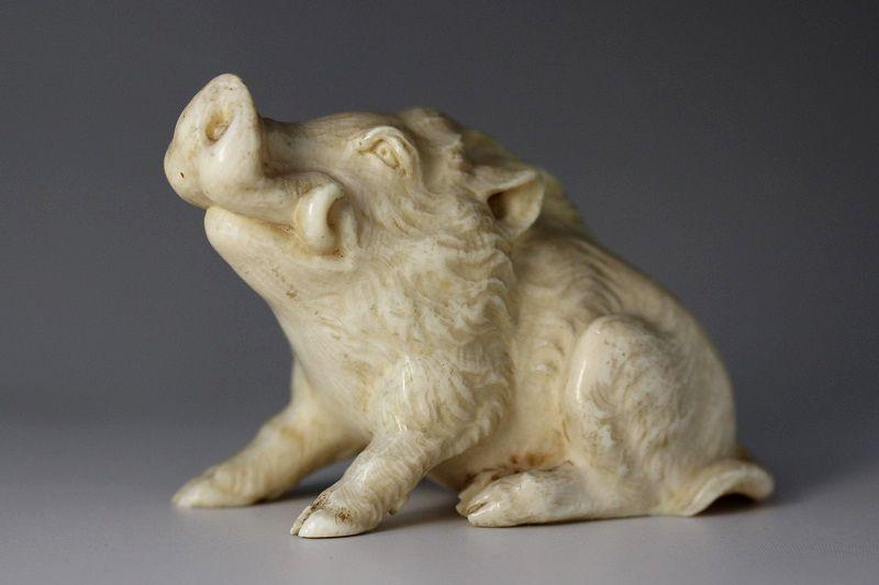 本象牙彫刻 猪置物