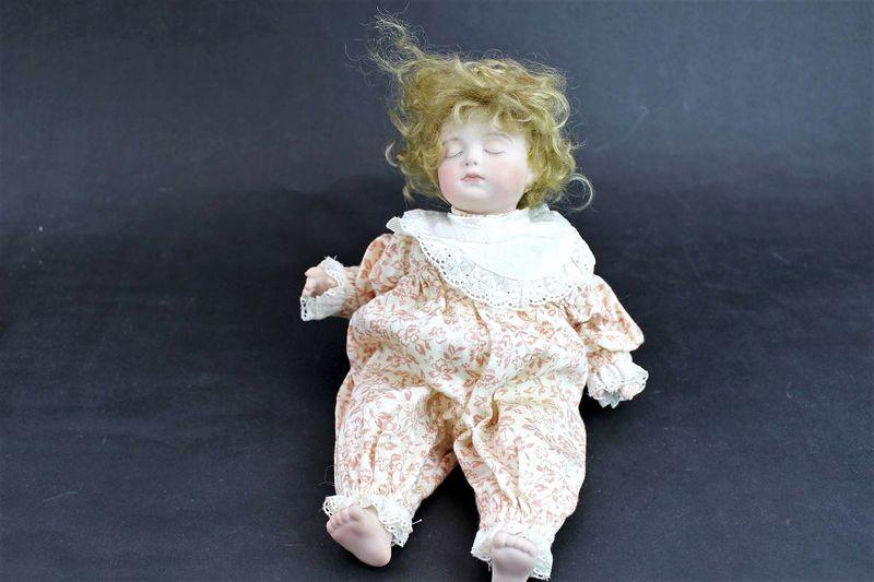 三輪輝子作 ビスクドール 眠っている女の子26cm