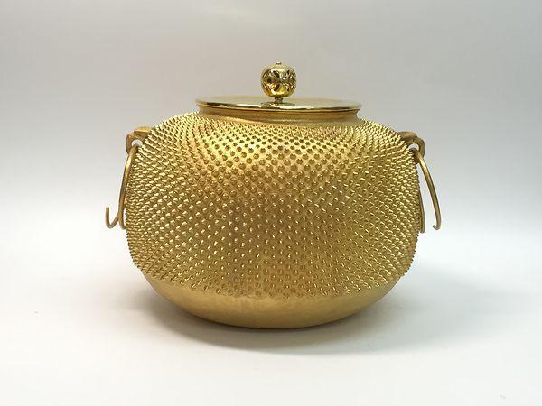純金製霰風炉釜