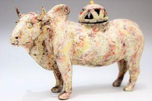 杉浦康益作 形家香炉「彩々牛」