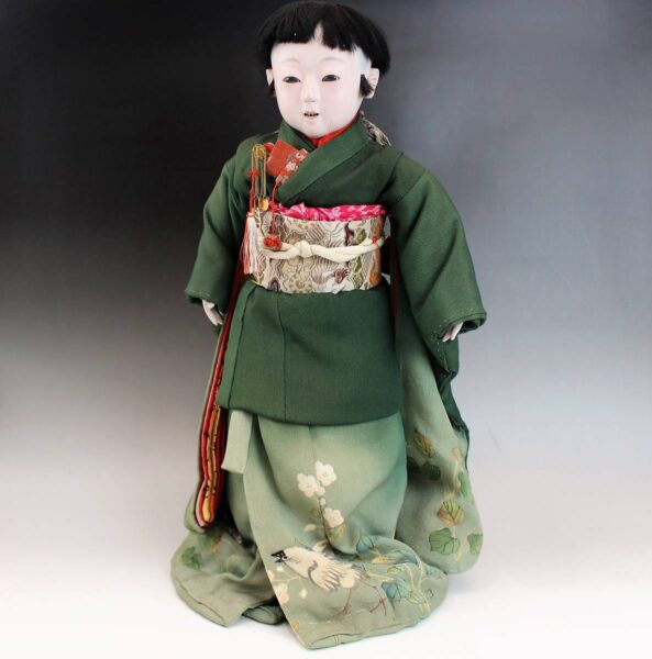山川永徳斎の三つ折り市松人形 緑縮緬着物の男の子48cm