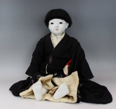藤村明光の市松人形