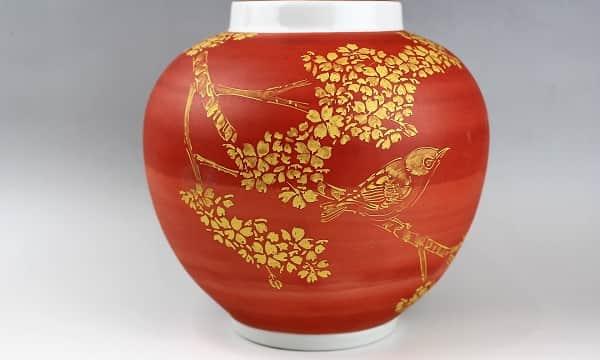 高橋誠作 金彩桜に目白図壺