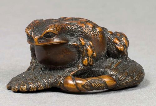 伊勢正直作 木彫り根付 蛙