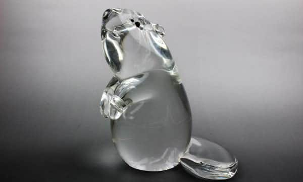 スチューベン製ネズミのガラス置物