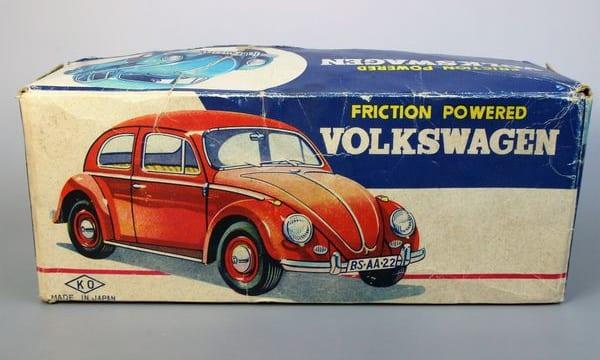 ブリキおもちゃの箱